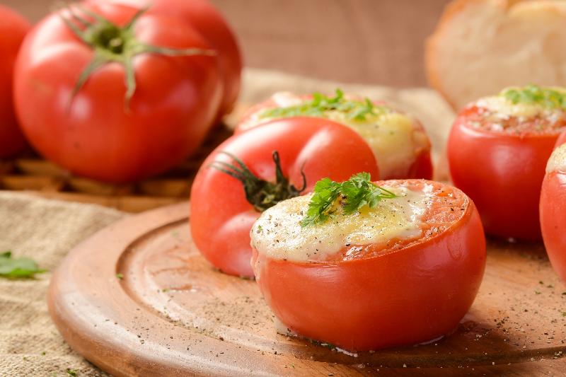 まるごとトマトのチーズグラタン